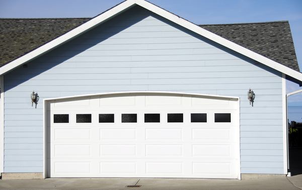 Can My Garage Door Handle a Hurricane?